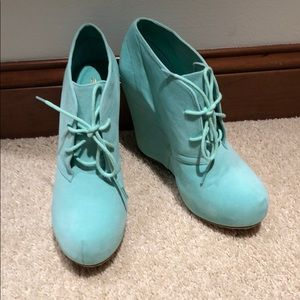 🆕 Never Worn Mint Wedges